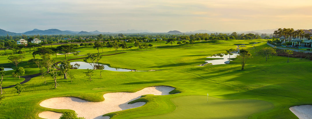 5 Tips for Packing Right for a Golf Holiday
